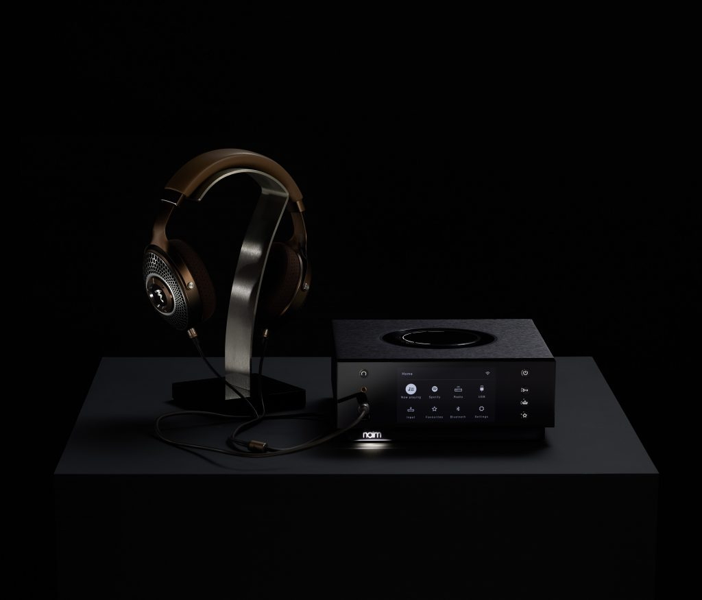 Tento obrázek nemá vyplněný atribut alt; název souboru je Naim-Audio-Uniti-Atom-HE-Front-with-Headphones-Clear-MG-2-1024x875.jpg.