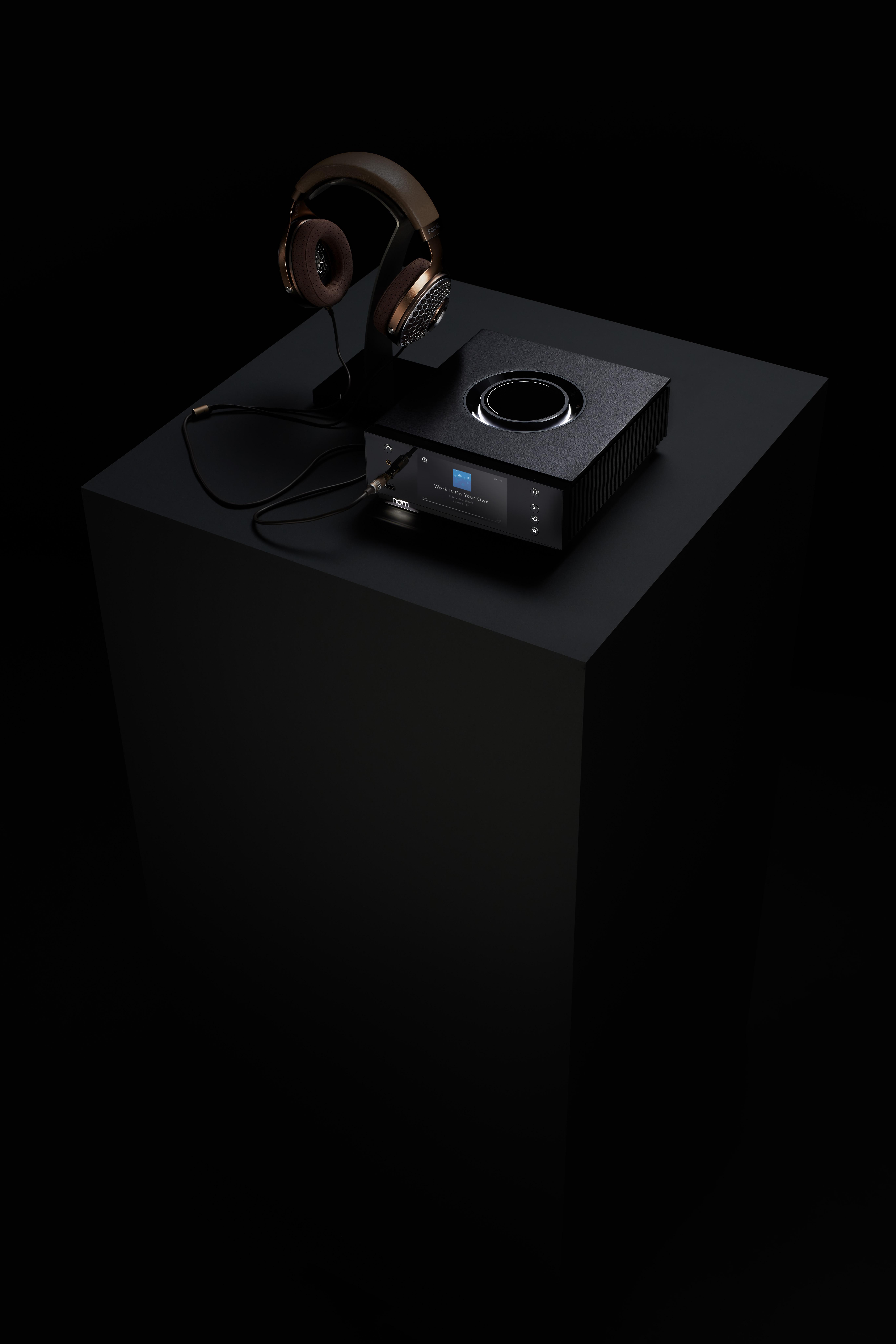 Naim Audio – Uniti Atom HE – High Three Quater With Headphones – Clear MG